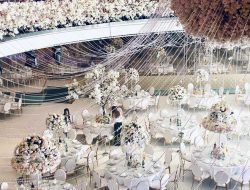 Chinese wedding in europe with floral chandelier
