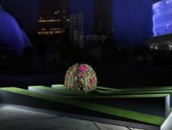 Flower Art installation for luxury Art event in Guangzhou China made by a Luxury Event Florist from London for dubai party planner