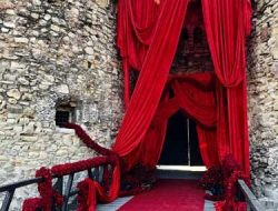 red rose flower garlands at serbian kalemegdan castle wedding