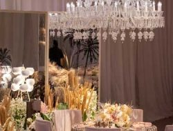 gala dinner decoration at daub party with candelabras
