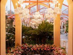 garden party in dubai with candelabras