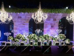 candy bar at luxury wedding planned by Wedding planner france